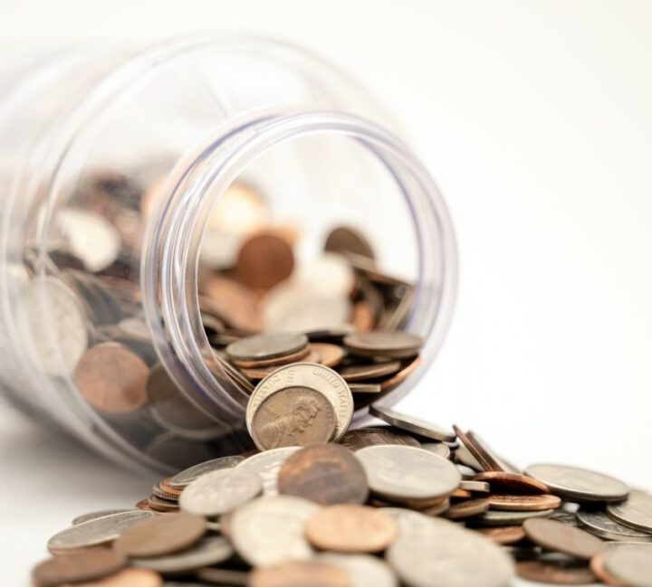 How to Save Time and Money by Outsourcing Accounts Receivable Services?